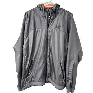 Nike  Essential Hooded Training Jacket